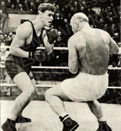 Legendinė dviejų bokso galiūnų kova ringe