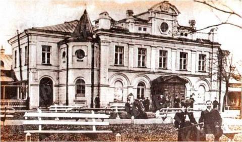Miesto teatras – Kauno valstybinis muzikinis teatras (Laisvės al. 91)