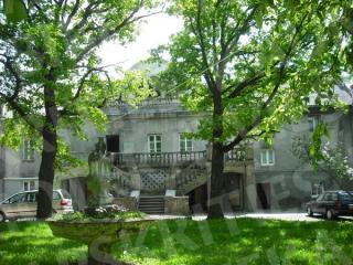 Linkuvos dvaro rūmų pagrindinis fasadas. 2012 m.