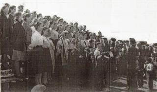 Dainų šventė Bogučianų rajone, prie Angaros upės. 1954 m.