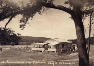 """""""Valgio"""" užkandinė prie I-ojo pliažo. Aukštoji Panemunė. Apie 1936–1939 m."""