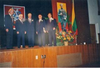 """Partizanų vokalinis ansamblis """"Girių aidas"""" Los Andžele (JAV). 1994 m."""