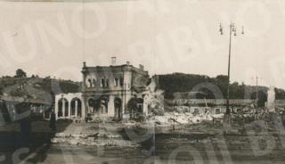 Kauno geležinkelio stoties griuvėsiai. 1944 m.