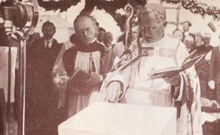 Paminklinės Kristaus Prisikėlimo bažnyčios kertinio akmens šventinimas. 1934 m. birželio 29 d.