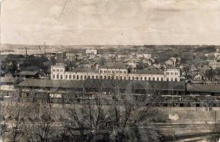 Kauno geležinkelio stotis nuo perono pusės XX a. 4 deš.