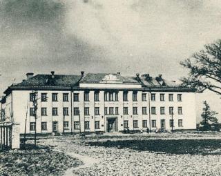 Kauno žemės ūkio technikumo rūmai (dab. A. Gustaičio g. 6). Apie 1958 m.