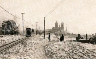 """Cariniais laikais ir tarpukariu krantine ėjo siaurasis geležinkelis, žmonių vadintas """"kukuška"""". XX a. 4 deš."""