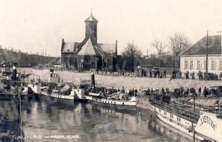 Keleivinė prieplauka prie Vytauto Didžiojo bažnyčios. Apie 1930 m.