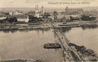 Senamiesčio vaizdas su plaustiniu tiltu