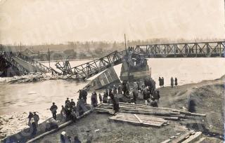 Statomas 1928-ųjų pavasarį ledų sugriautas Panemunės tiltas