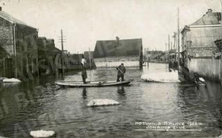 Potvynis Jonavos gatvėje. 1926 m.