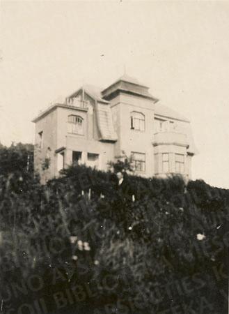 Antano Busilo namas (Vaižganto g. 16, dab. V. Mykolaičio-Putino g. 13)