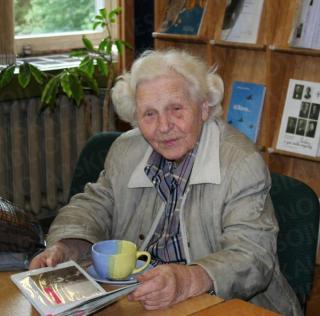 Danutė Kijauskienė KAVB Kaunistikos skaitykloje. 2010 m.