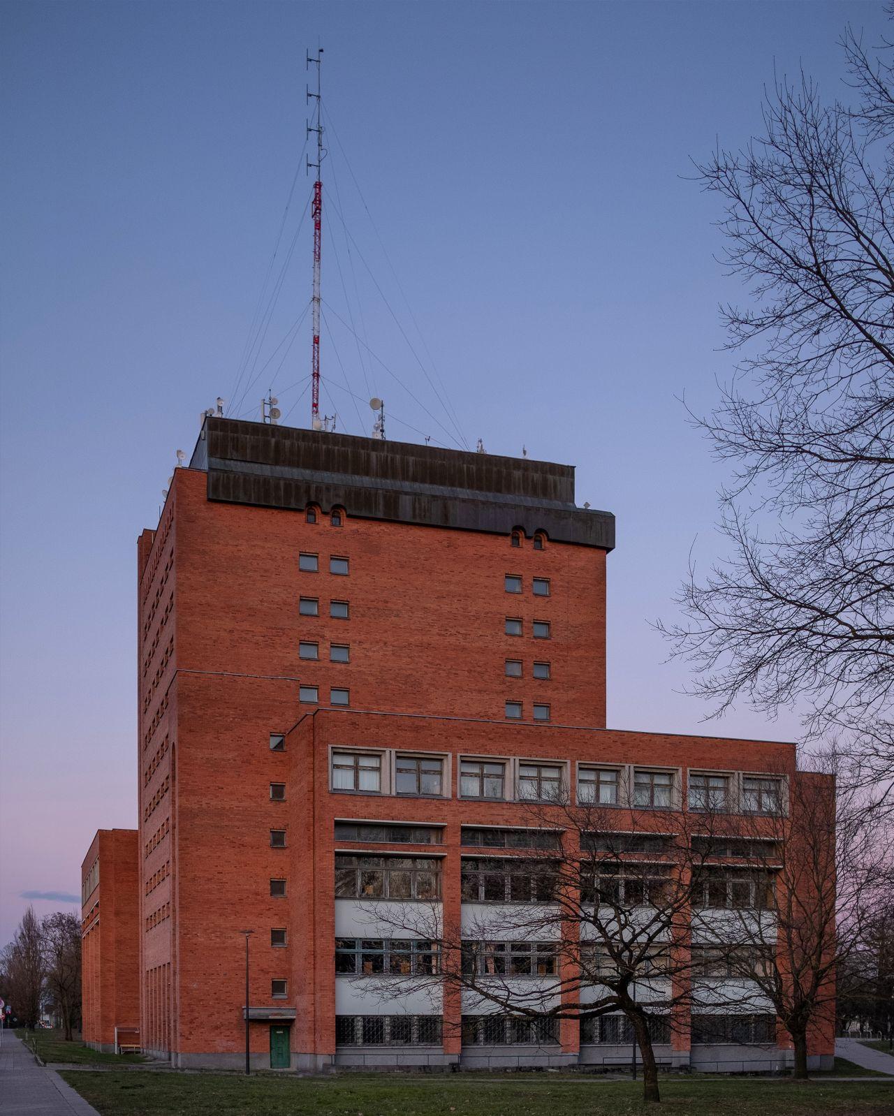 Kauno apskrities viešoji biblioteka. Radastų g. 2